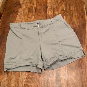 Gray relaxed shorts
